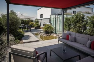 LA-CAVA-Dachterrasse-mit-Pavillon