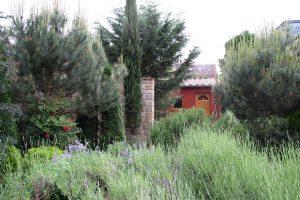 LA-CAVA-Farbe-am-Gartenhaus