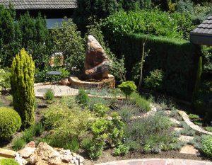 LA-CAVA-gartengestaltung-mit-naturstein