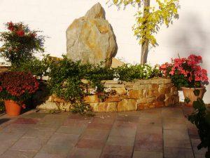 LA-CAVA-Trockenmauer-im-Garten