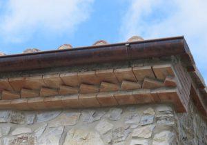 LA-CAVA-traditionelle-Ziegeldächer